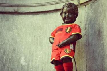 manneken pis diable rouge maillot belge foot